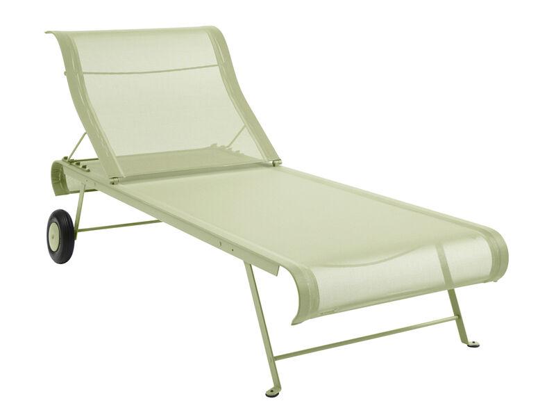 kest v yksinkertainen aurinkotuoli k yt nn llinen. Black Bedroom Furniture Sets. Home Design Ideas